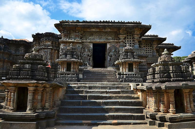 An_entrance_into_the_Hoysaleshwara_temple_in_Halebidu
