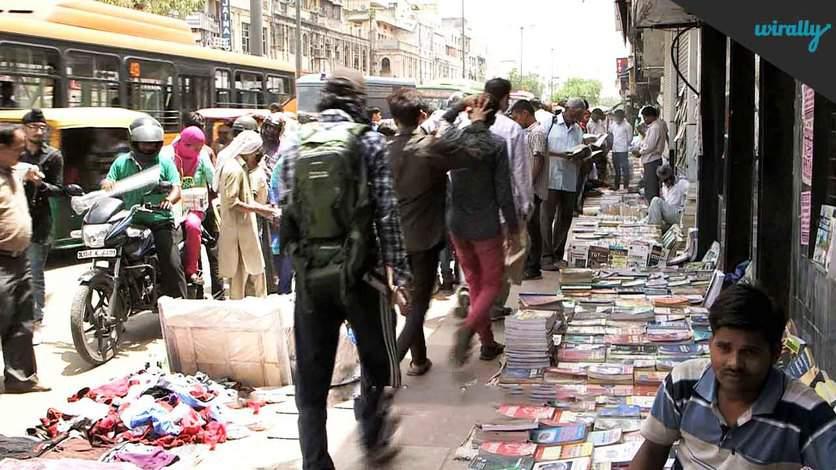 Daryaganj Old Book Market
