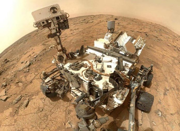NASA Shares Selfie Taken by Curiosity Mars Rover - Wirally.com