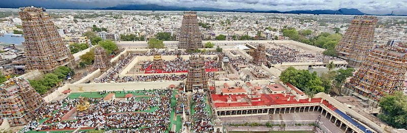 800px-An_aerial_view_of_Madurai_city_from_atop_of_Meenakshi_Amman_temple