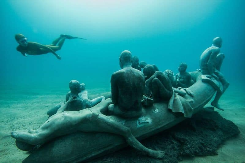 breathtaking-underwater-museum-turns-ocean-floor-into-art-gallery-and-doubles-as-artificial-ree__880