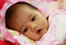 A Chinese Man Sells 18 Day Old Daughter For An iPhone