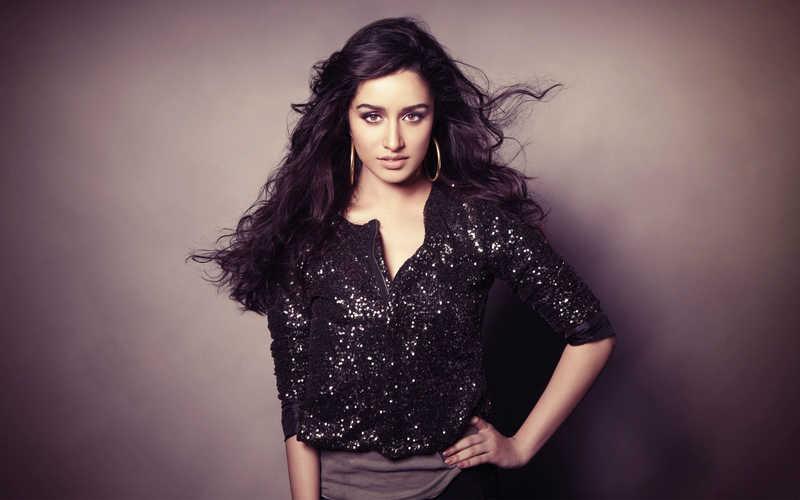 Bollywood_Actress_Shraddha_Kapoor_Photoshoot_in_Black_Top_HD_Wallpaper