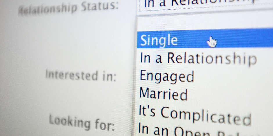 o-RELATIONSHIP-STATUS-FACEBOOK-facebook