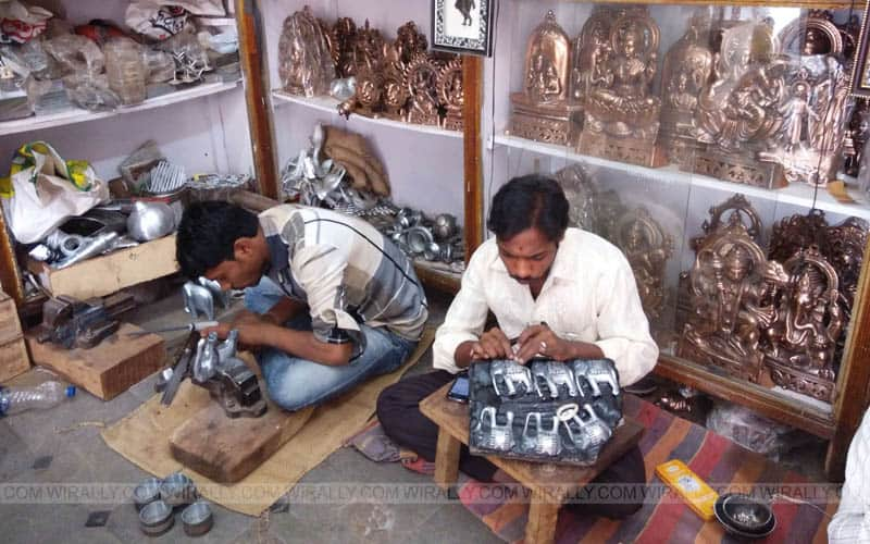 Artisans divide the work to make the process quick