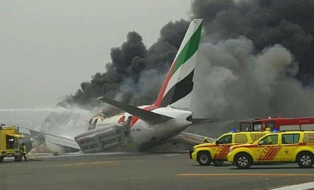 Emirates-EK-521-Crash-landing-Complete-video-images