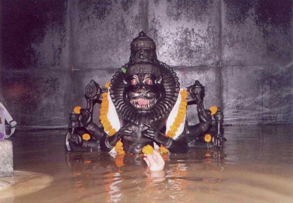 Jharani-Narasimha-Swamy-Cave-Temple-Bidar2