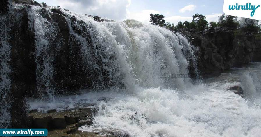 1-kuntala-falls
