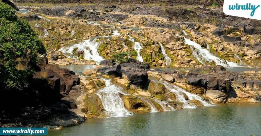 7-0bandrev-waterfalls