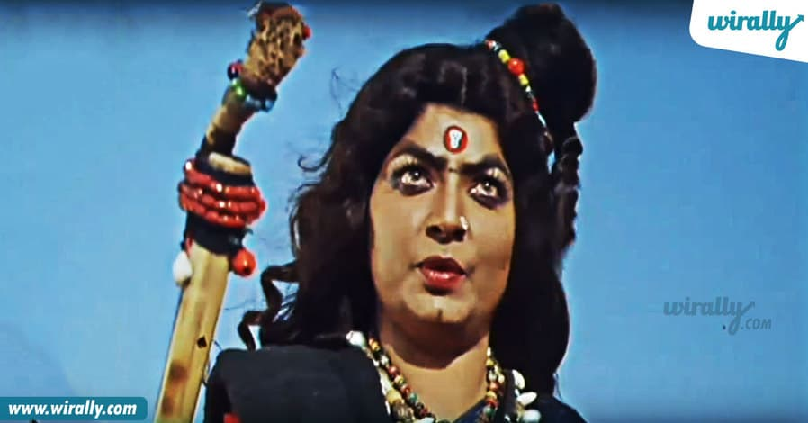 8-vijaya-lalitha-in-sahasa-veerudu-sagara-kanya
