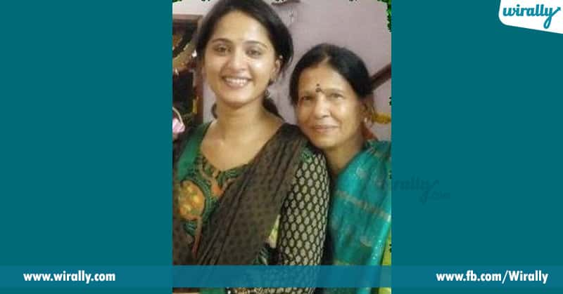 Anushka with his mother