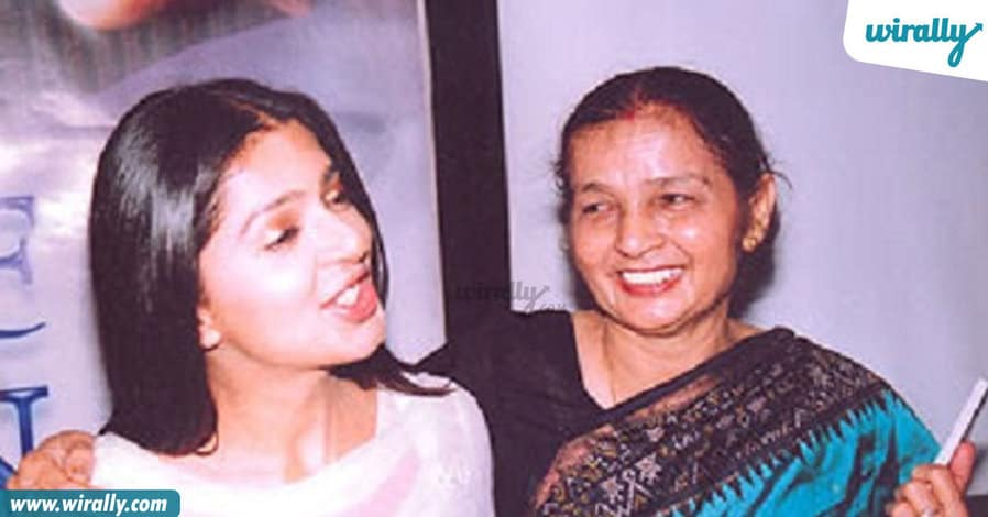 20_tollywood-celebs-with-their-mothers