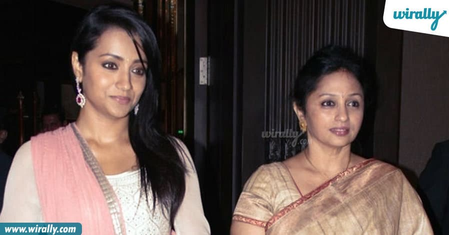 7tollywood-celebs-with-their-mothers