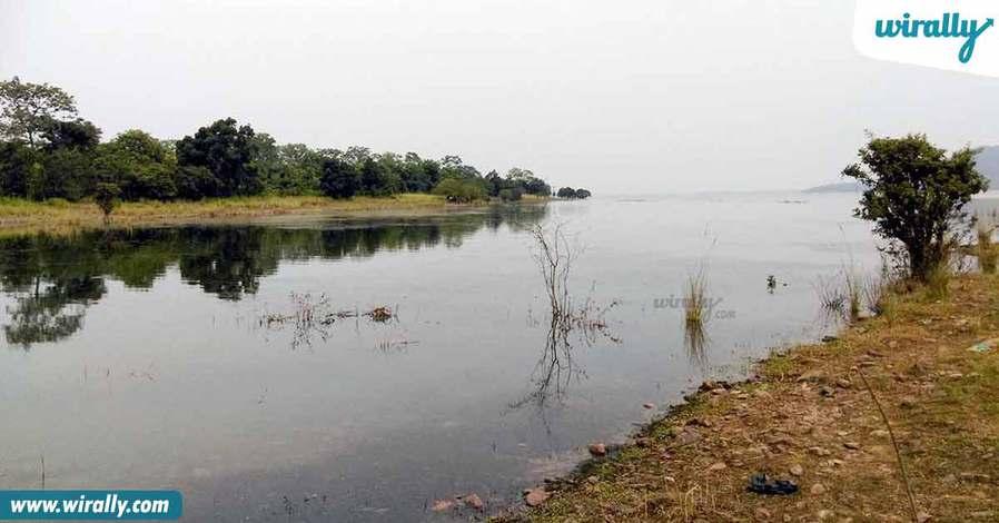 9-pakhal-lake