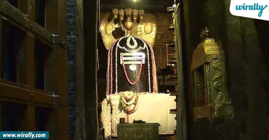 Brihadeeswara Shiva lingam