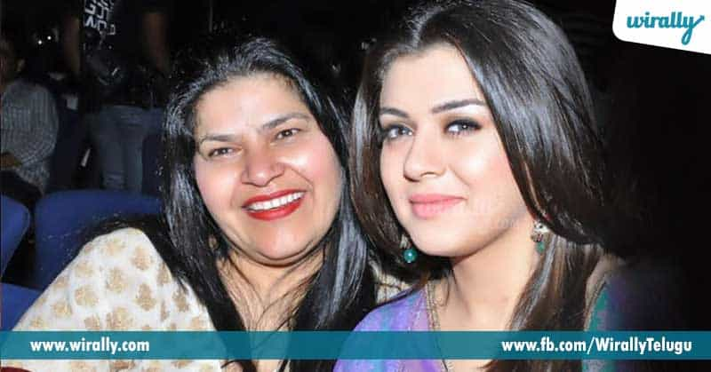 3.-Hansika's-mother
