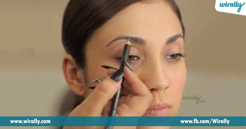 1.-Let-your-brows-be-naturally-shaped