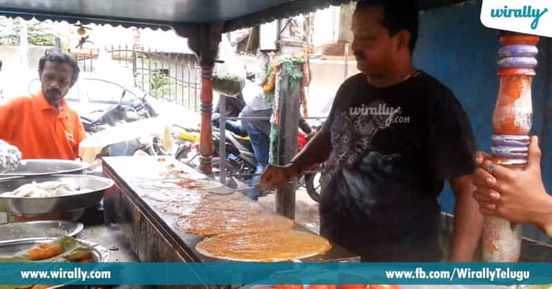 2.-Govind-Dosa,-Ghansi-Bazaar