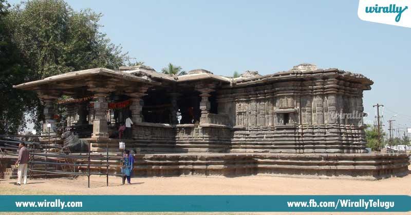 8-Warangal-Thousand-Pillar-Temple