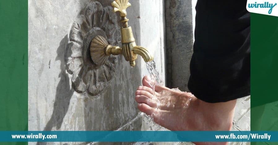 03entering a temple