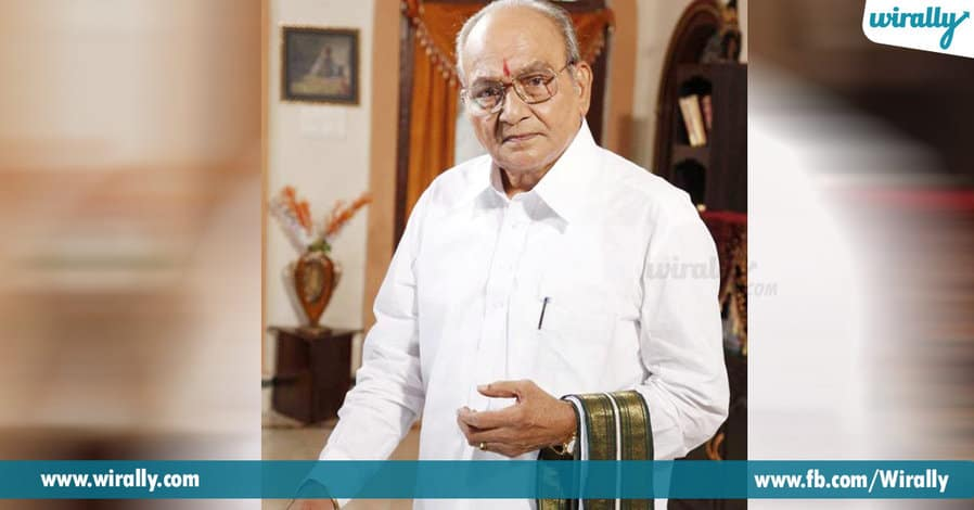 5. K. Vishwanath – he wears khadi when he sits for direction.