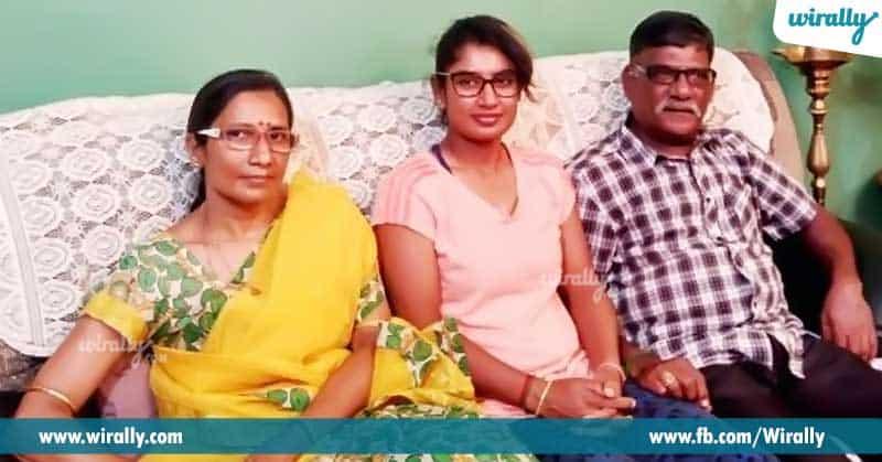 3-Mithali-Raj-Family