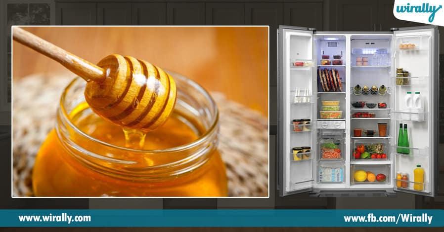 4 Refrigerater lo pettakoodani food items