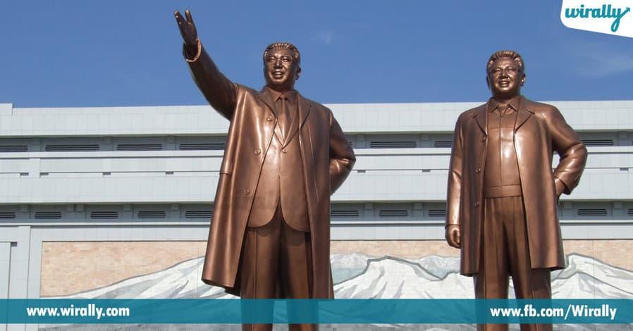 Kim-II-Sung Statue