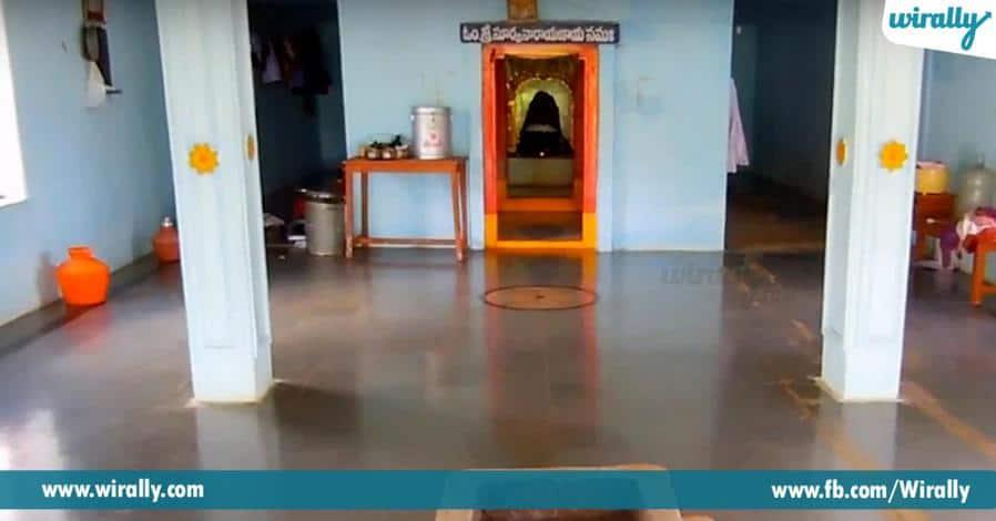5 Bugga Ramalineswara Temple