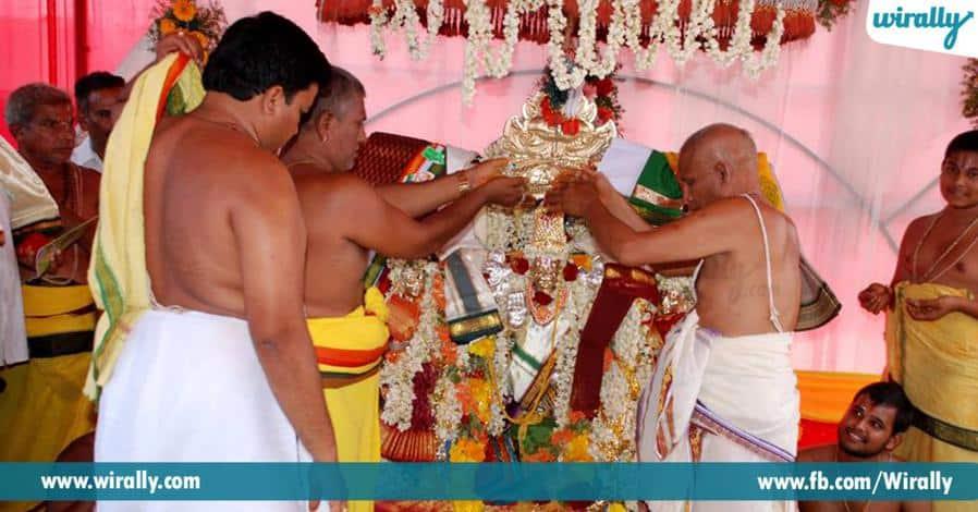 6 nemaligundal sri ranganayakaswami alayaniki a peru ela vachindhi