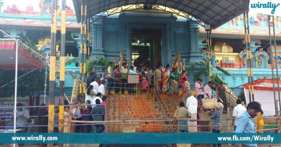 7 narasimhaswami chenchulakshmini penavesukoni eka shila rupamlo velasina alayam