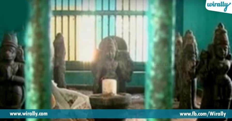 6 ekkada leni vidhanga grahadhipathulu vari vahanaltho vidi vidiga darshanamiche alayam