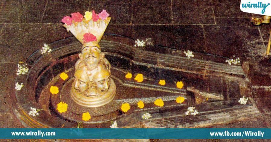 5 vishmurthi prathistinchina shivalingam ekkada undhi