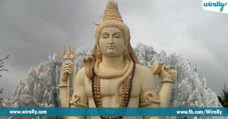 1 swamivari sannidhilo samvacharam poduguna ninduga unde pavitra jalshyam