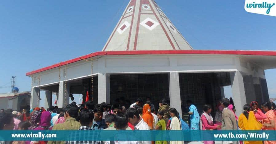6 vayudevunni edhurkoni nilabadina mahimagala chandravadhana shikaram