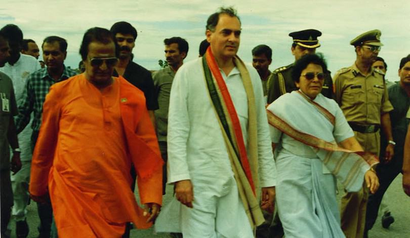 24. NTR with Rajiv Gandhi