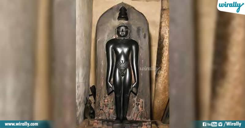 Jain God Tirthankara Idol