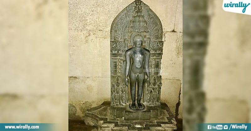 Jain God Tirthankara Idol