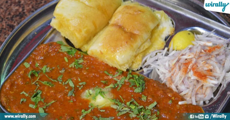 Mumbai Street Food under Budget, Best Mumbai Street Food, Budget friendly street foods, World Food Day, Ultimate Places For The Best Street, Food, Wirally Food, Cheap Yet Best Street Food Places at Mumbai