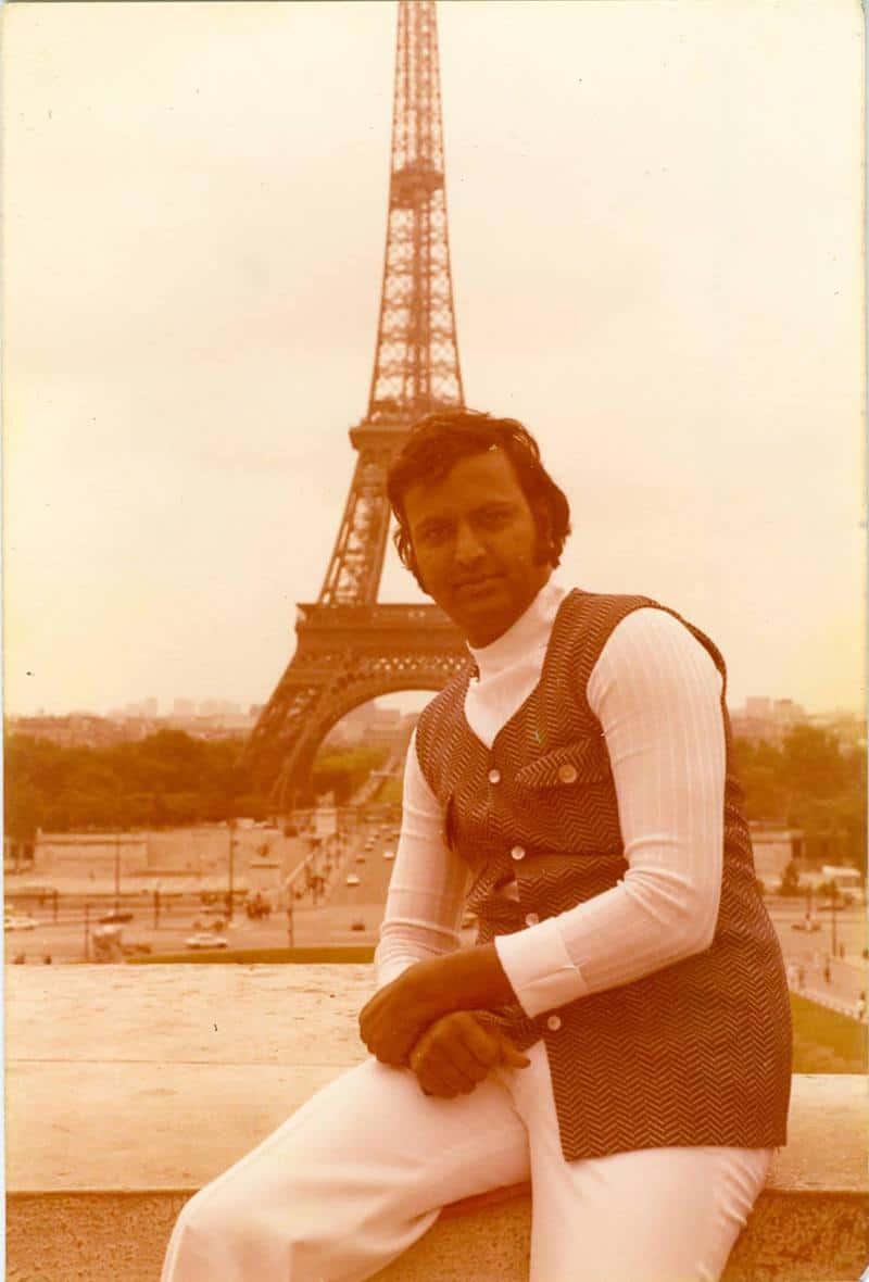 Paris lo Mohan babu