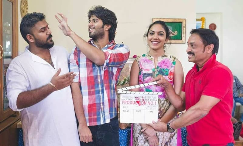 40. Vijay Deverakonda, Tharun Bhascker, Rituvarma and Raj Kandukuri on first day od Pellichoopulu