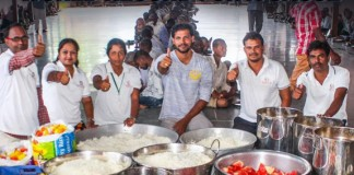 World Record By Serving Food