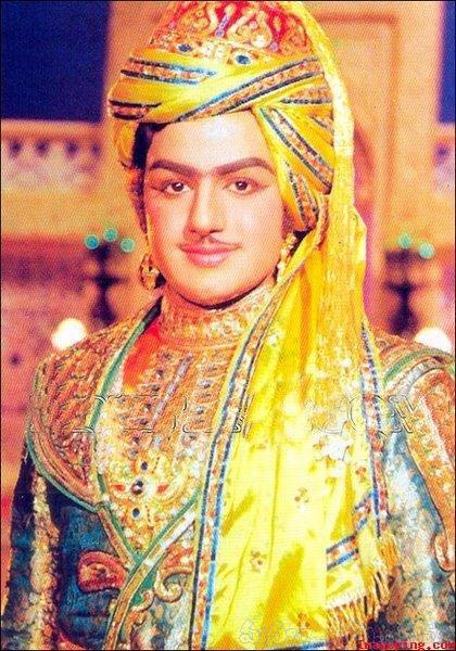 11. Balayya Babu rare pic from movie sets
