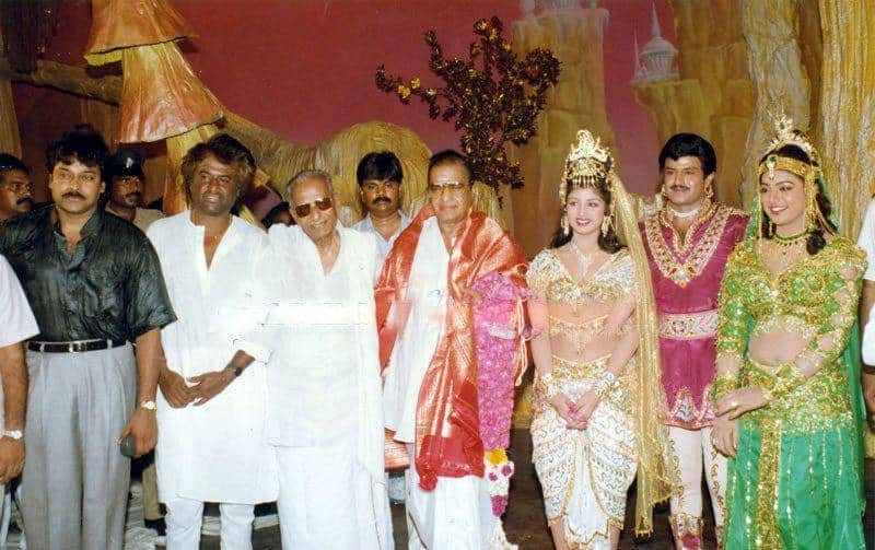 18. Rare pic of BalaKrishna with SR NTR, Chirnajeevi and others