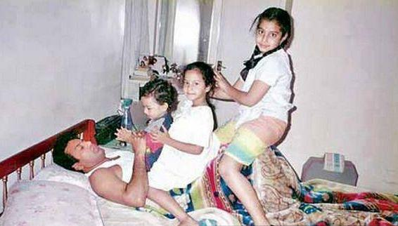 29. Balakrishna rare pic with his daughters