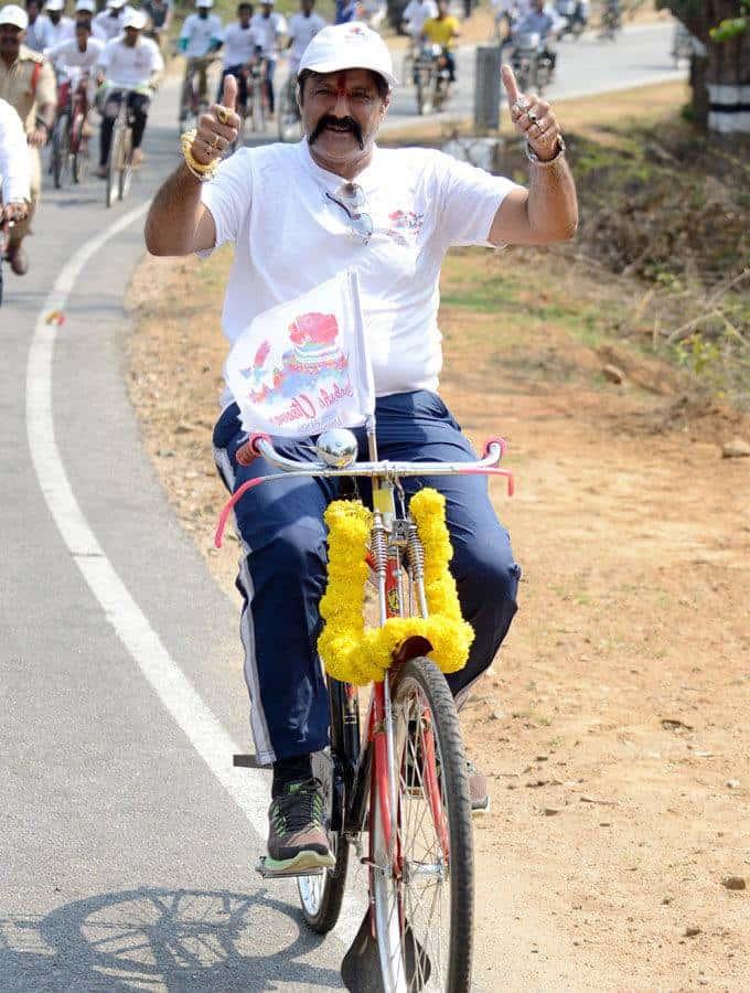 40. Balakrishna rare pic during election campaign