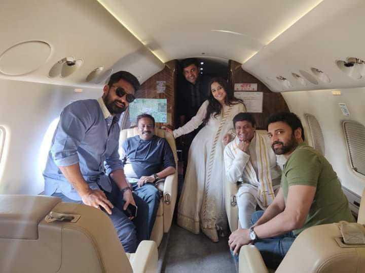49. Balakrishna rare pic with Vidyabalan, Sumanth and Kalyan Ram during NTR movie shoot