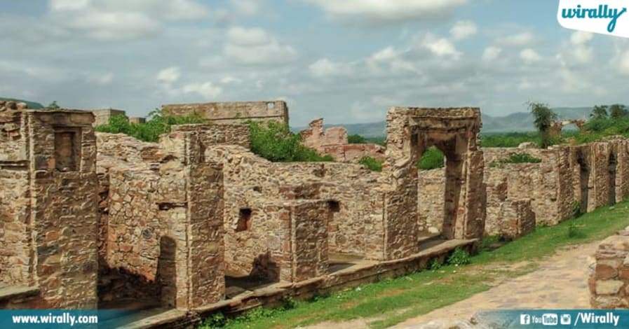 Bhangarh Fort Deaths - image of fort