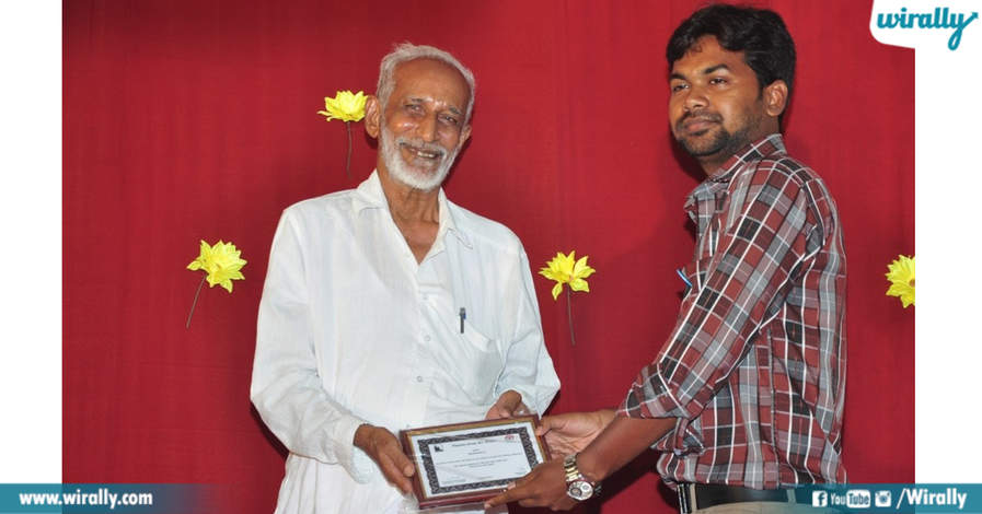 kalyanasundaram receiving award