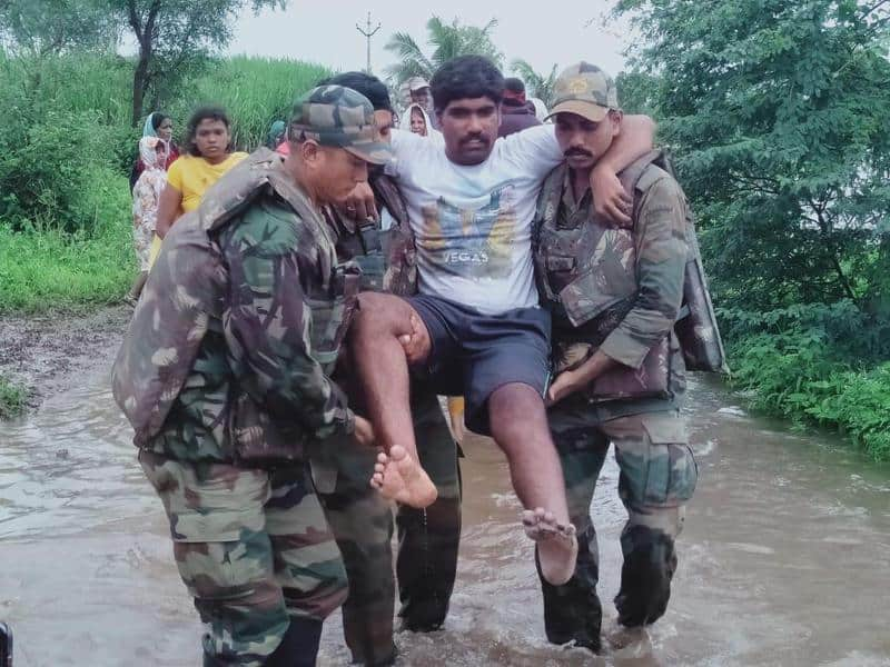 1. Indian Army at Maharastra Floods